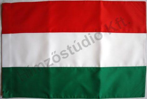 Kültéri magyar zászló